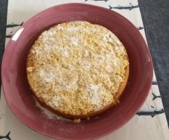 Aprikosen-Streuselkuchen mit saurer Sahne