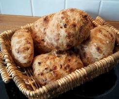 Bürli-Schwarzbier-Zwiebel-Schinken-Brot