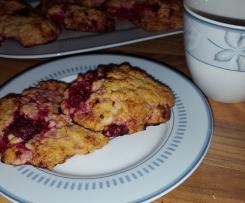 Cookies mit Haferflocken und Himbeeren