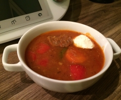 Gulaschsuppe ohne Alkohol (Low carb)