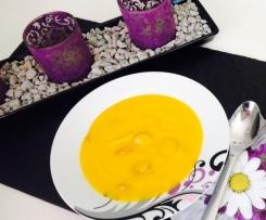 Kartoffel-Kürbis-Cremesuppe mit Würstchen